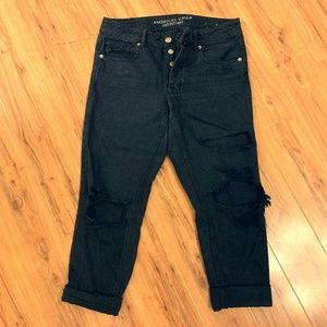 Black tomgirl ripped American Eagle jeans
